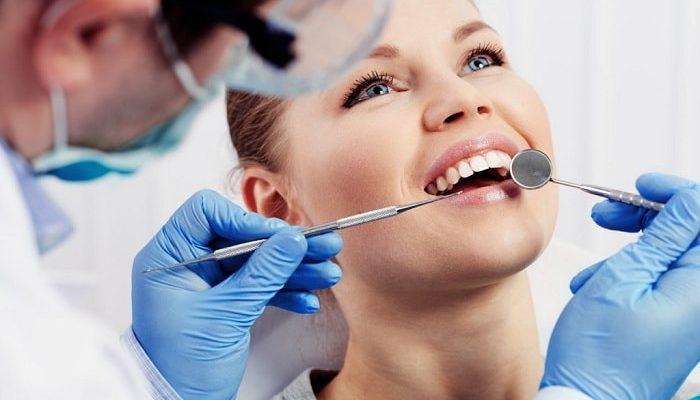 Бесплатная первичная консультация стоматолога для определения оценки состояния зубов, плана лечения, количества визитов и стоимости